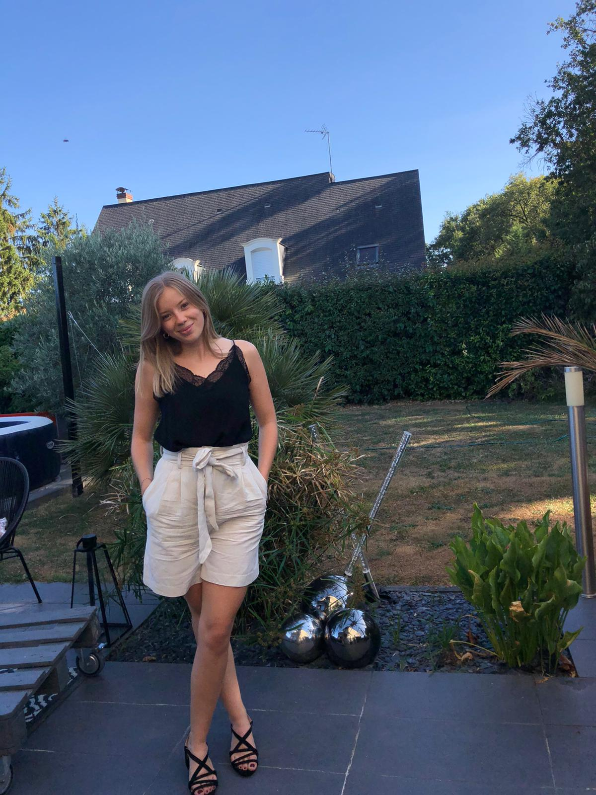 look d'été avec short en lin
